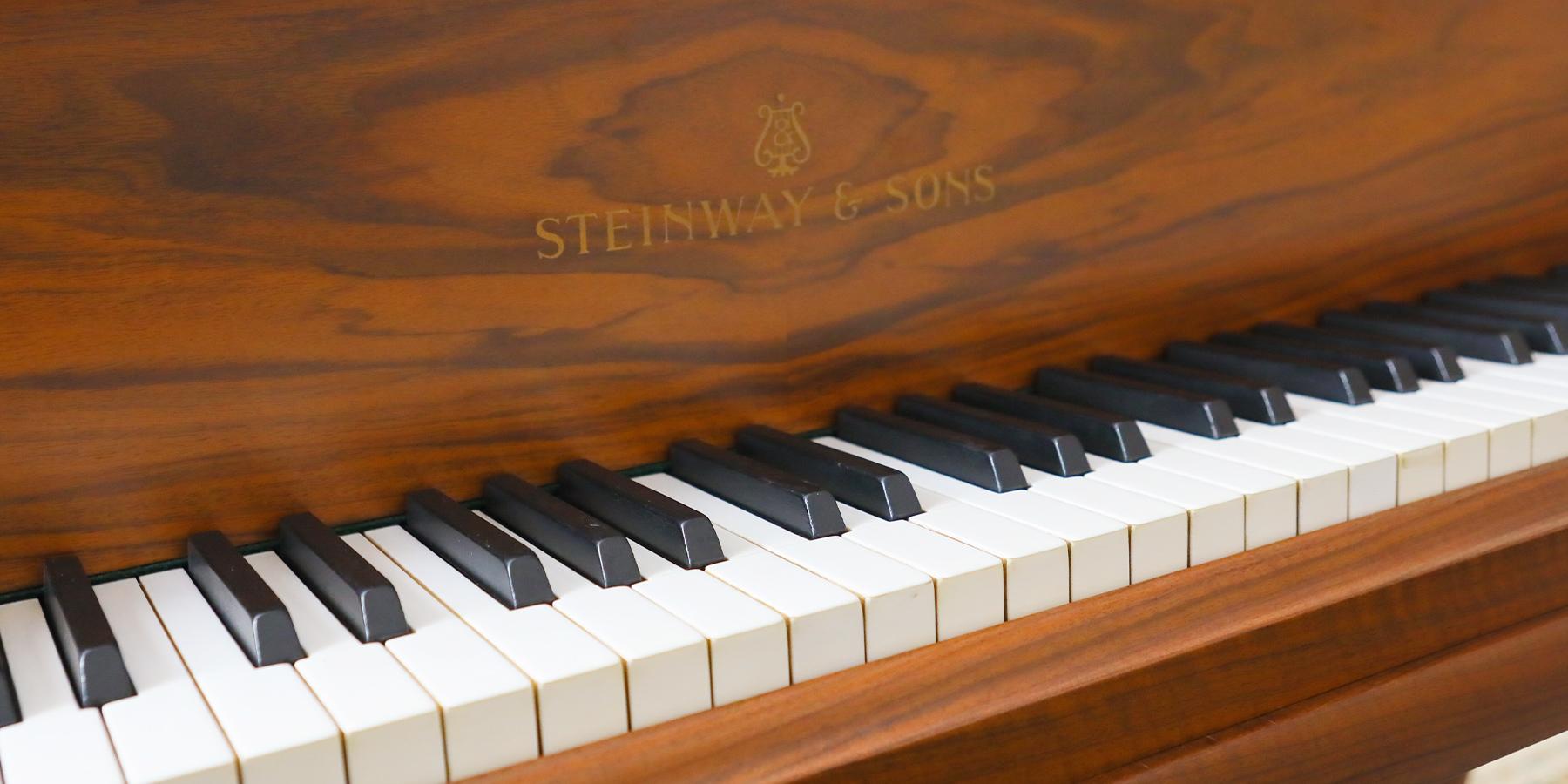 スタインウェイ鍵盤