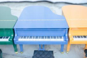 おもちゃの青ピアノ