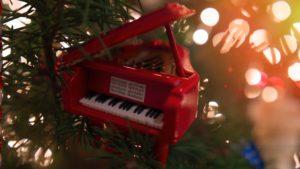 赤いピアノで初心に返る