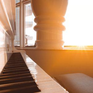 ピアノと光
